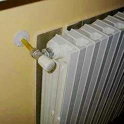 parete isolata dietro calorifero termosifone
